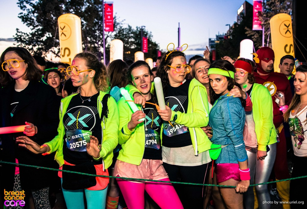 Electric Run girls ready start line